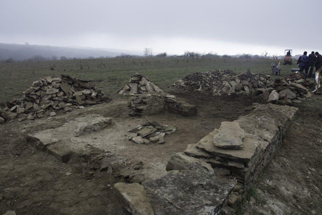 demolition tris des pierres renovation loge paysanne st-joseph a45